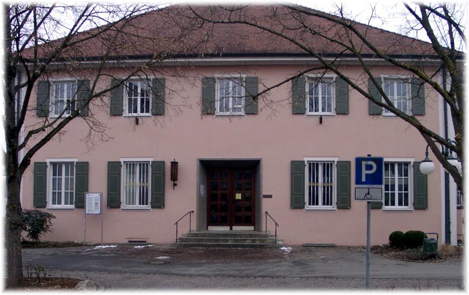Am Alten Rathaus sollen 2013 die Toiletten saniert und ein behindertengerechter Eingang gebaut werden.