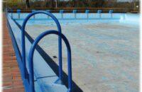 Das leere Schwimmerbecken