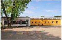 Fertig sanierte Bietinger Grundschule von außen